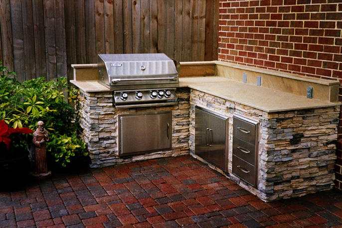 Outdoor Kitchens Houston Custom Decks Flagstone And More Creative Outdoor Designs